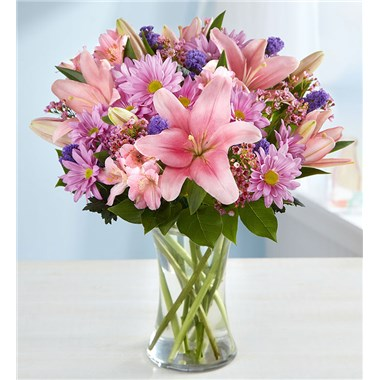 beautiful-pink-mixed-flower-bouquet-with-clear-vase