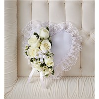 casket-heart-white-pillow